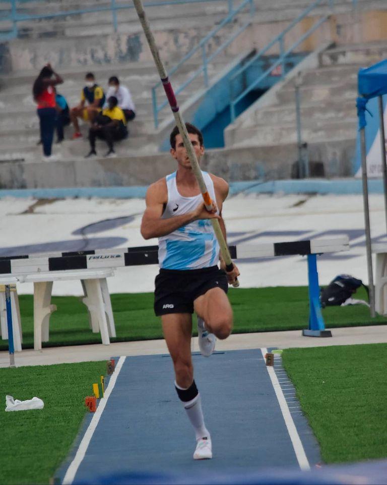 Germán Chiaraviglio, el único argentino campeón sudamericano en Guayaquil 2021; el santafesino está encaminado a los Juegos Olímpicos de Tokio.