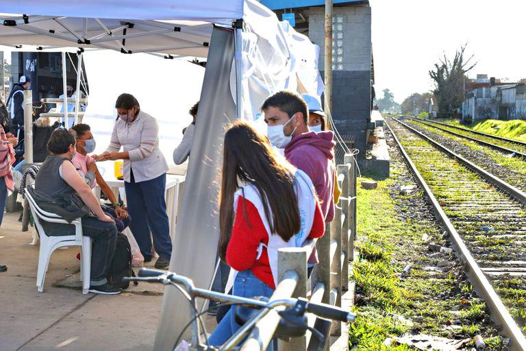 Así funcionan las postas de vacunación sin turno en las estaciones de trenes