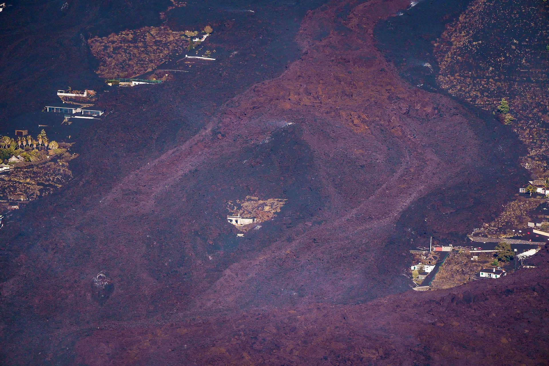 Varios pueblos están amenazados por la lava