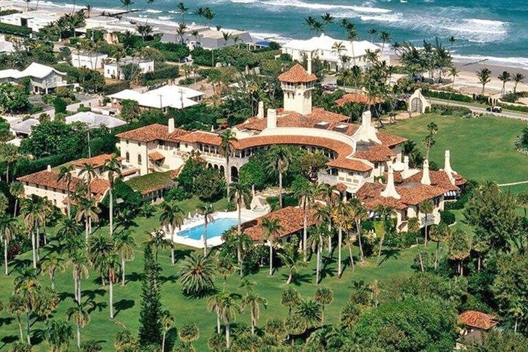 La mansión principal de Trump es una adaptación del estilo hispano-morisco, clásico en las villas del Mediterráneo