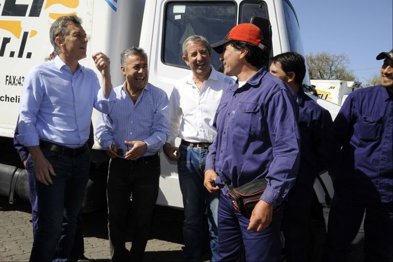 Macri, con Cobos y Cornejo
