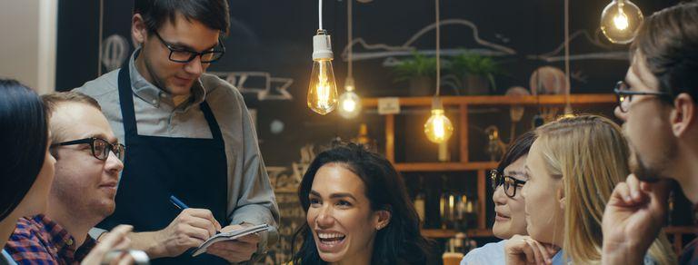 Los 10 tipos de clientes que más odian quienes trabajan en bares y restaurantes