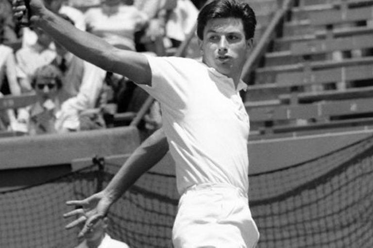 Murió Ashley Cooper, leyenda del tenis australiano y exnúmero 1 del mundo