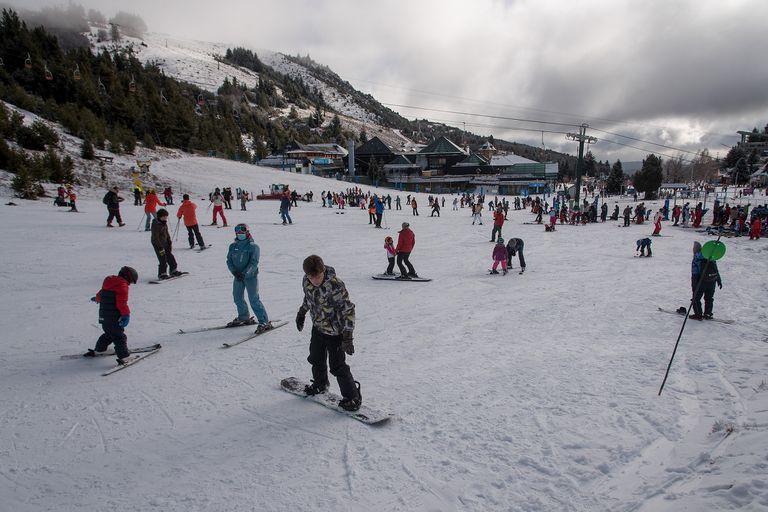 Este año la nieve se hace esperar en el cerro Catedral