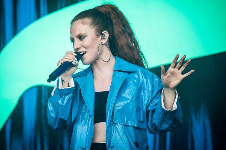 Jess Glynne, la cantante que reemplazará a Victoria en la vuelta de las Spice