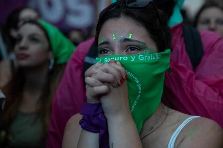 Un amparo nacional busca frenar la aplicación de la ley 27.610 que permite la interrupción voluntaria del embarazo