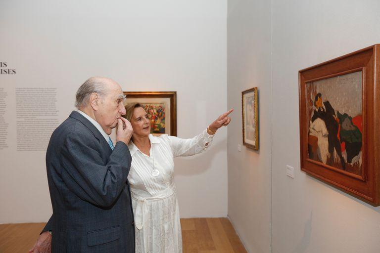 Sanguinetti recorrió la muestra de Barradas junto a Teresa Bulgheroni, presidenta de Fundación Malba