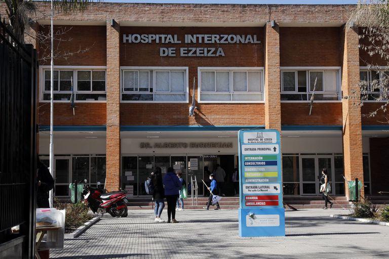Allanan el hospital de Ezeiza para determinar quién paga los empleados de Stamboulian