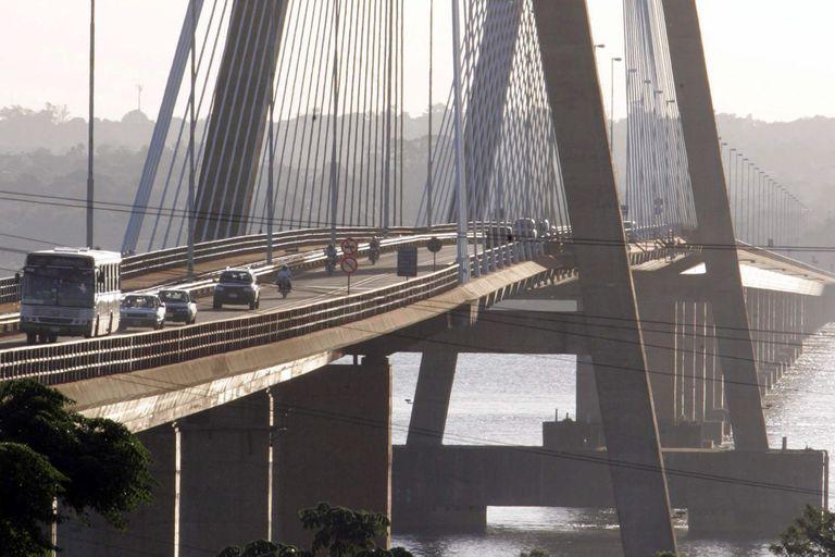 Frontera abierta con Brasil, sí; con Paraguay, no