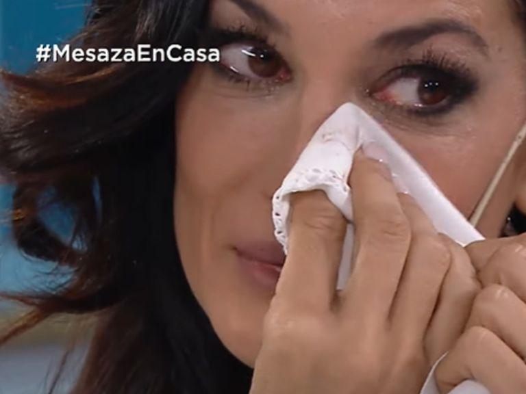 Silvina Escudero se quebró en la mesaza e insultó duramente a su hermana Vanina