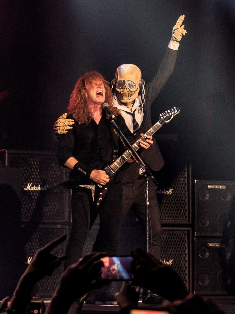 Dave Mustaine y Vic Rattlehead en The O2, Londres, 2018