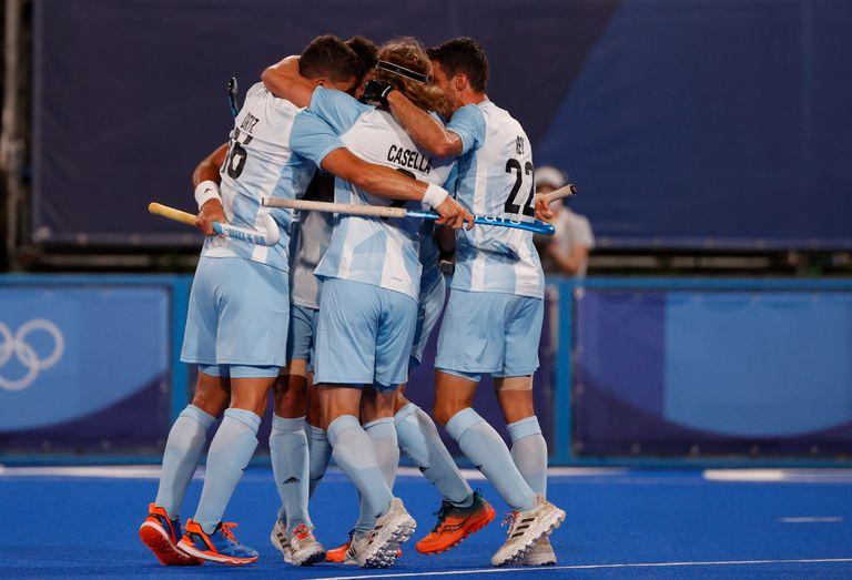Selección de Hockey masculino Los Leones, contra Japón, en hockey sobre césped. Festejo 12' ST gol de Nicolás Keenan. Tokio 2020