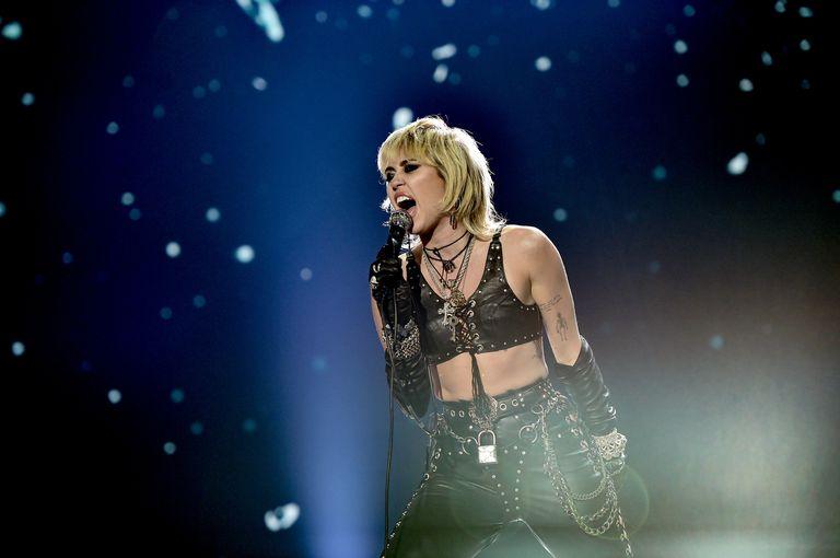 Miley Cyrus sufrió un ataque de pánico sobre el escenario