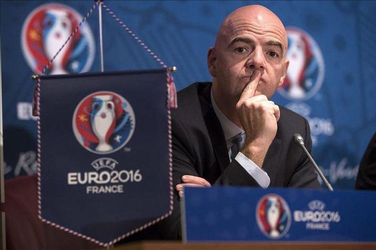 Infantino piensa sumar más equipos a un Mundial como lo hizo en la Euro 2016