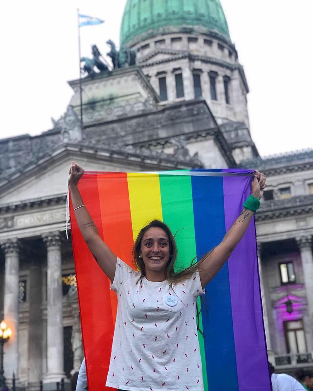 Maca, en una Marcha del Orgullo. Después de la primera a la que fue sola en 2016, siguió yendo acompañada por amigos o sus hermanas