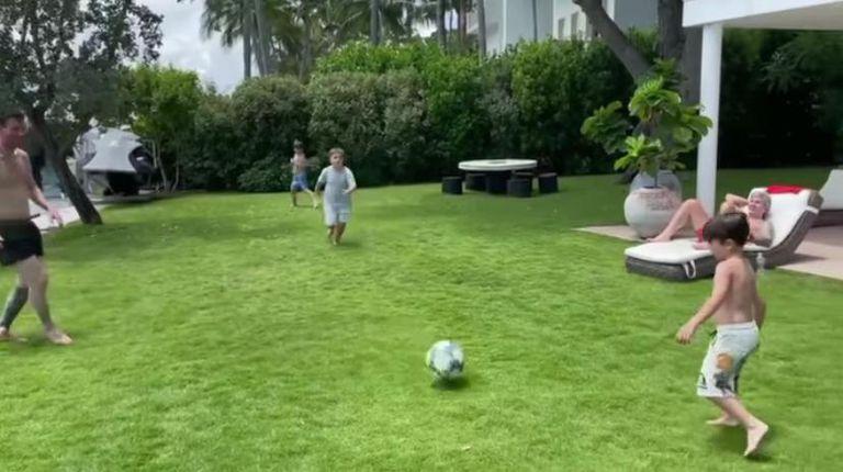 Messi subió un video jugando a la pelota en familia y Mateo dejó a todos boquiabiertos