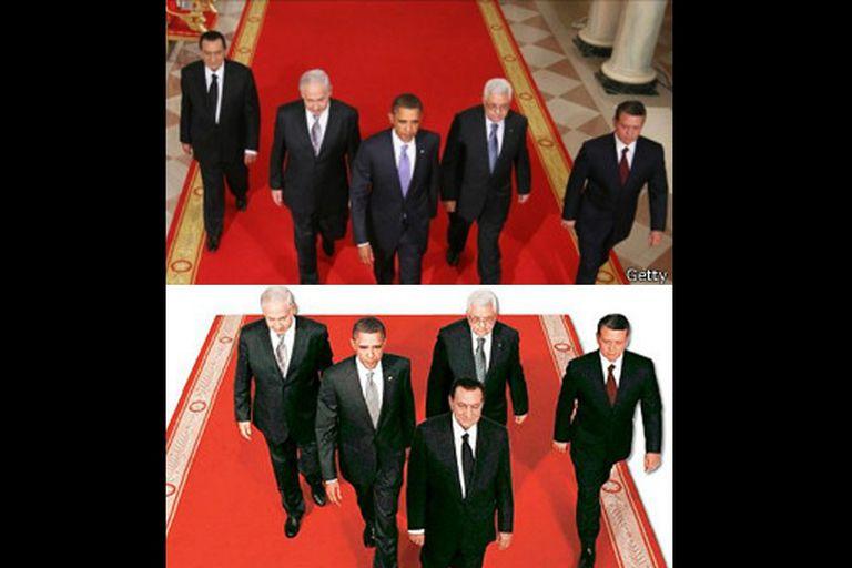 En la foto original Mubarak estaba a la cabeza de una procesión de hombres poderosos, pero luego la foto fue manipulada y en primera plana quedó Obama