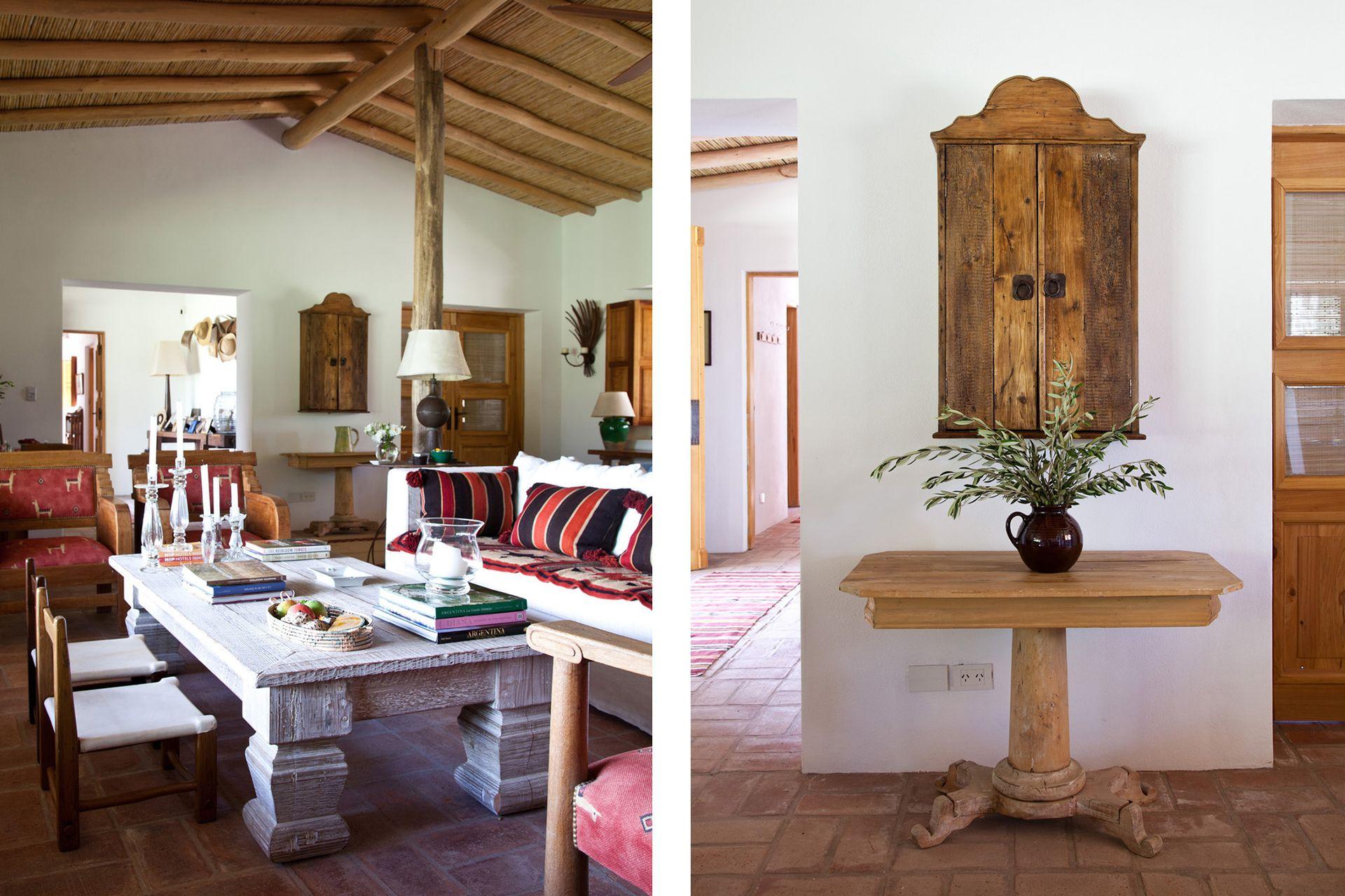 Este pintoresco mueble tipo retablo (Alberto Ledesma) se usa para guardar copas. Abajo, mesa tipo Biedermeier en madera rústica encontrada en un corralón de San Juan.
