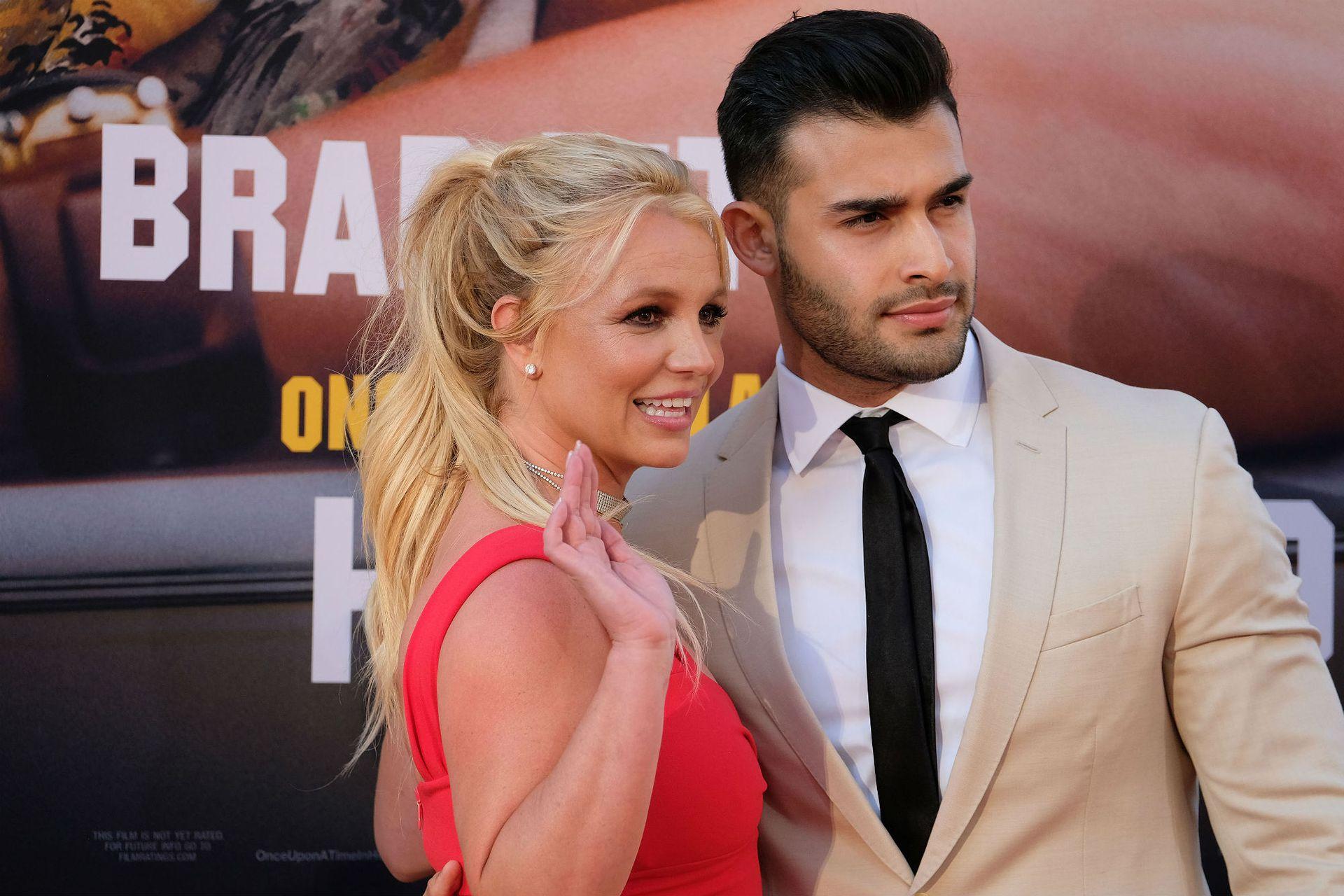 Britney Spears, muy bien acompañada de su novio, el personal trailer Sam Asghari