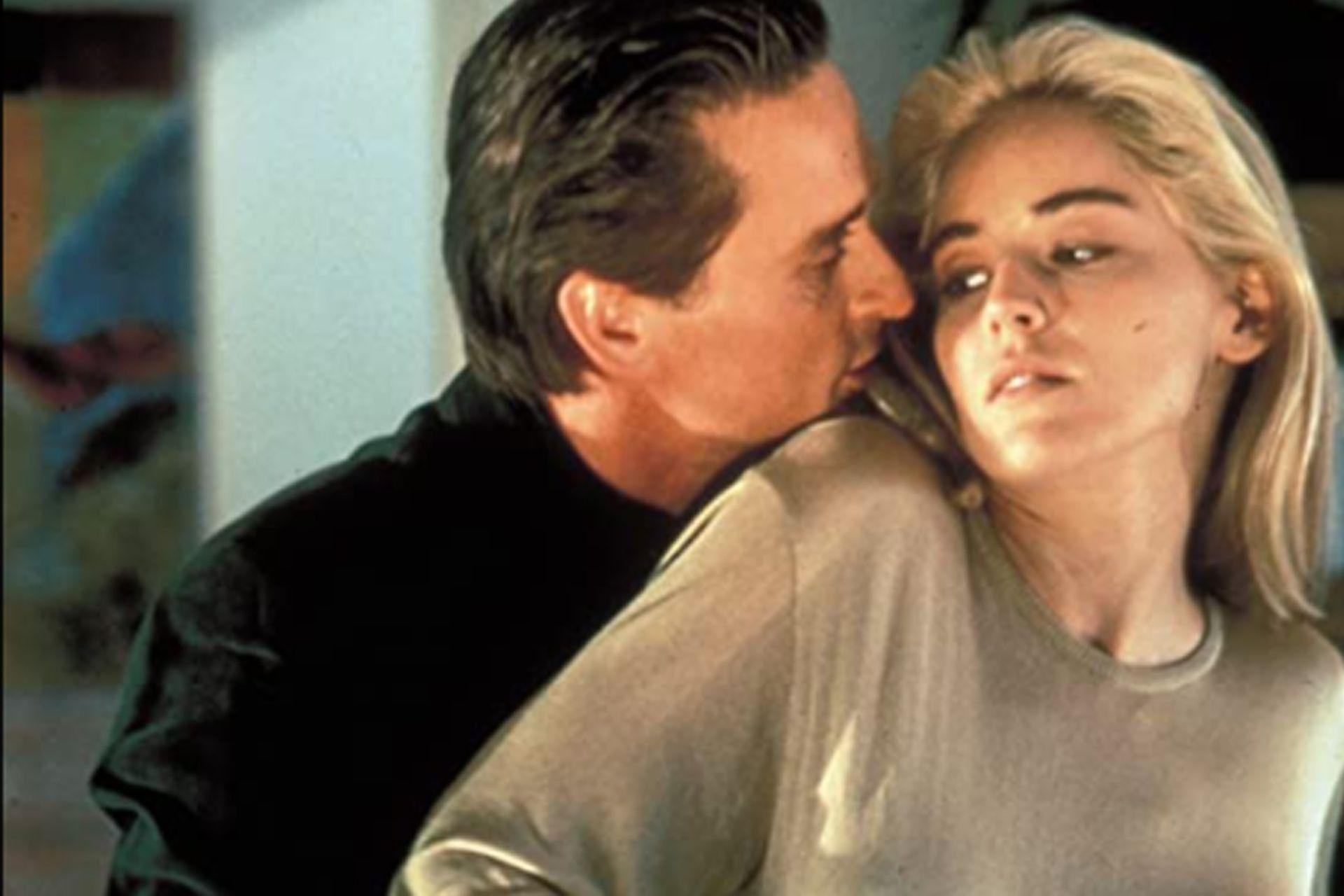 Michael Douglas y Sharon Stone, en una escena del polémico film