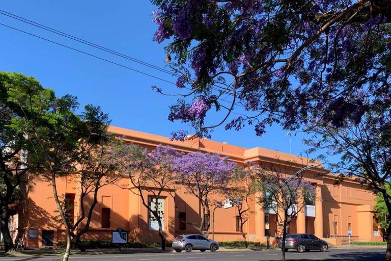 El Museo Nacional de Buenos Aires comenzó a funcionar allí en el año 1933, en un edificio que fue remodelado por el arquitecto Alejandro Bustillo