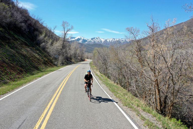Henry von Wartenberg se propuso atravesar Estados Unidos desde el oeste hacia el este en su bicicleta de carrera
