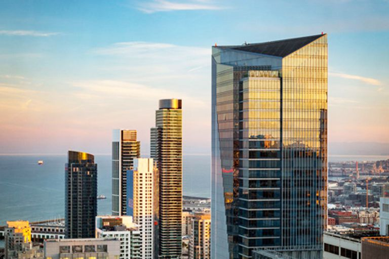 El rascacielos más alto de San Francisco está en reparación por inclinación lateral y hundimiento en el suelo