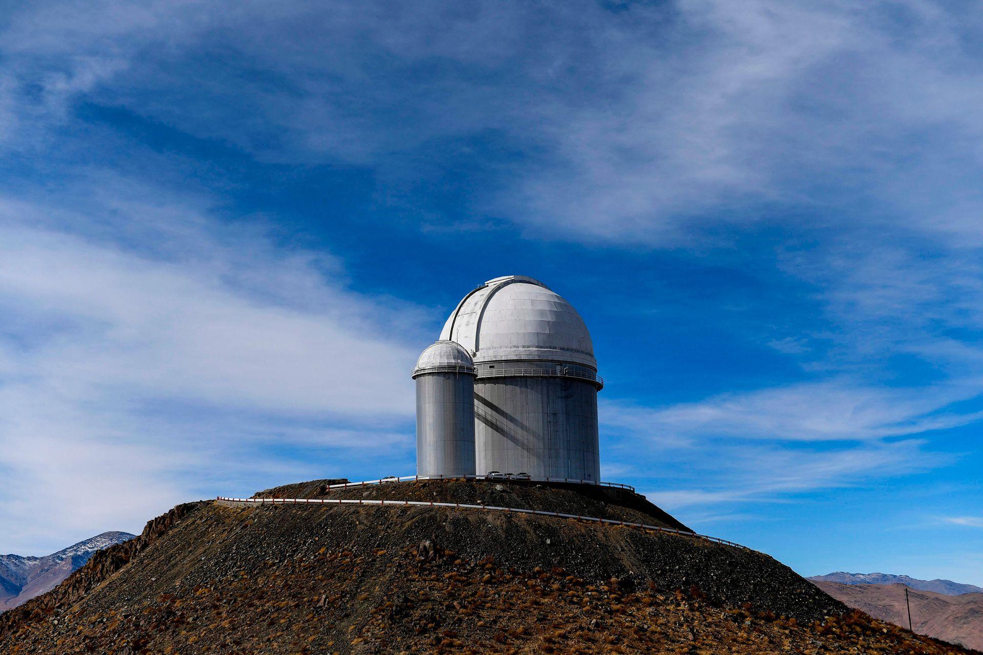 La Silla ha sido un emblema de ESO desde la década de los sesenta, ahí se opera con dos de los telescopios ópticos más productivos del mundo