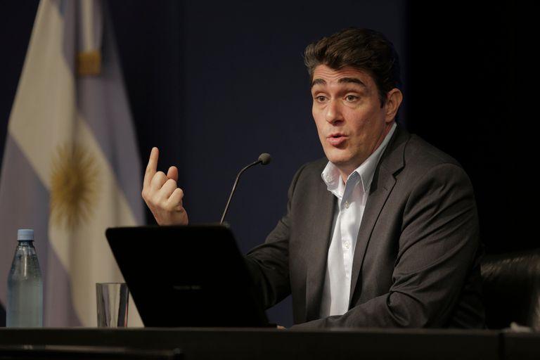 El secretario de Energía, Javier Iguacel, en la conferencia de prensa