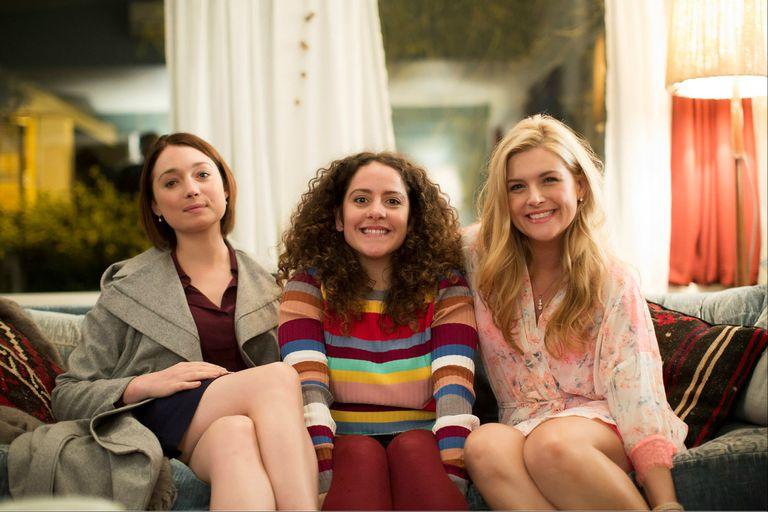 Las hermanas Belchy: Edie (Antonia Prebble), Julia (Maria Angelico) y Roxy (Lucy Durack)