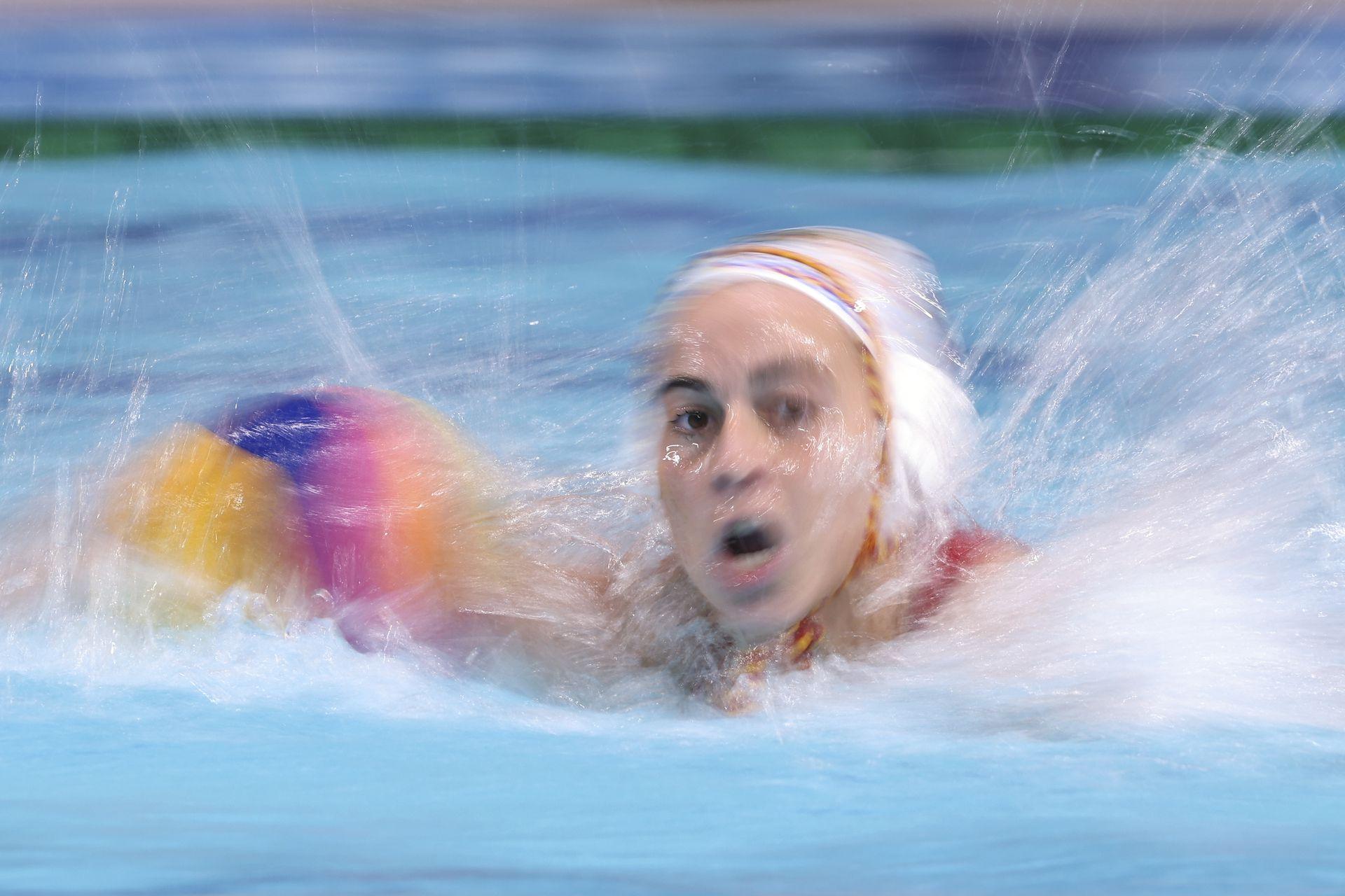 Bea Ortiz del equipo de España en acción durante el partido de cuartos de final femenino entre España y China.
