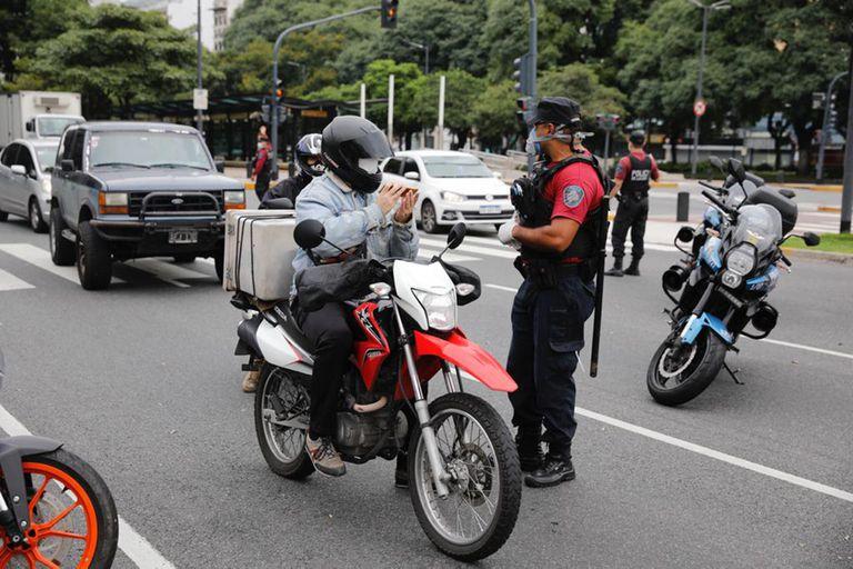 El fiscal general de la Ciudad, Juan Bautista Mahiques, autorizó a secuestrar autos de quienes circulen sin autorización