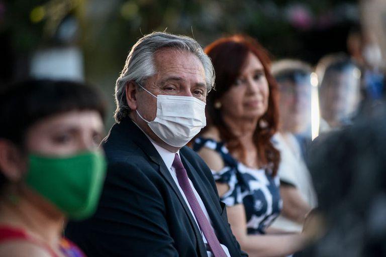 El presidente Alberto Fernández junto a la vicepresidenta Cristina Kirchner