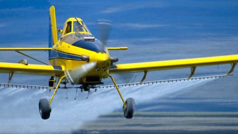 En el futuro podrían haber aviones que esparzan partículas que creen una película protectora para la Tierra.