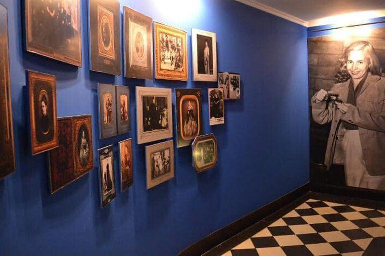 Retratos, fotografías y mobiliario de época se pueden ver en el recorrido virtual que durante la pandemia acerca la colección en línea