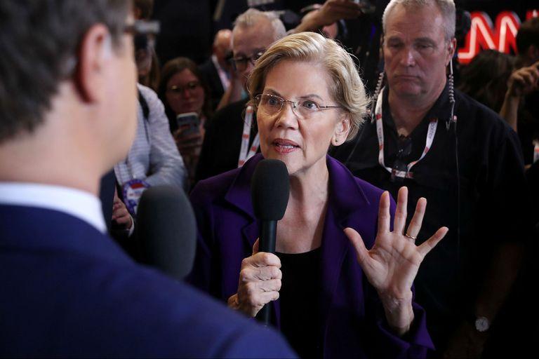 La candidata dialogó con la prensa tras el debate de anoche