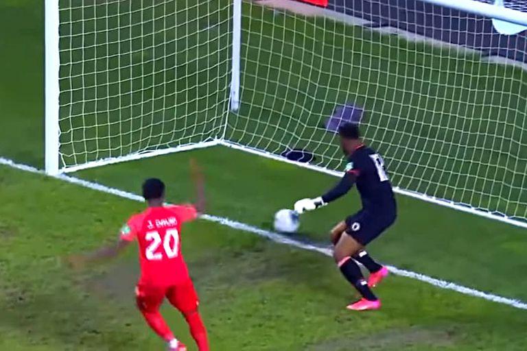 El blooper del arquero de Haití, que falló dos veces en un segundo y se hizo un gol increíble