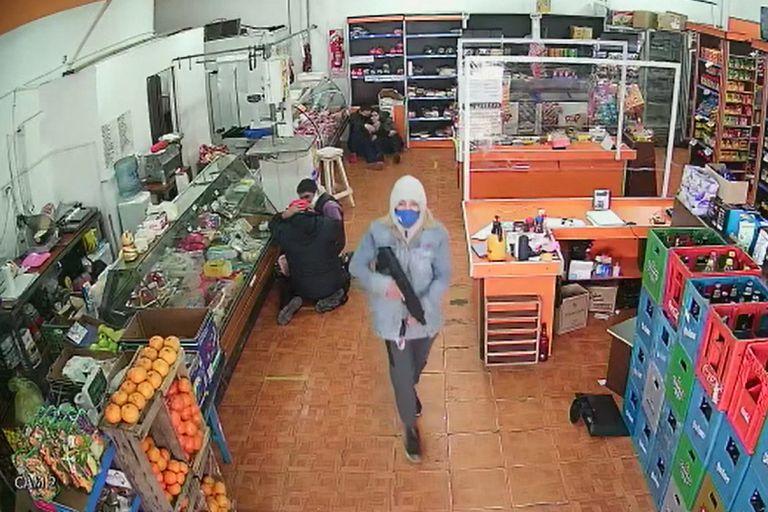 Dos detenidos por el asalto comando a un supermercado chino de Santos Lugares