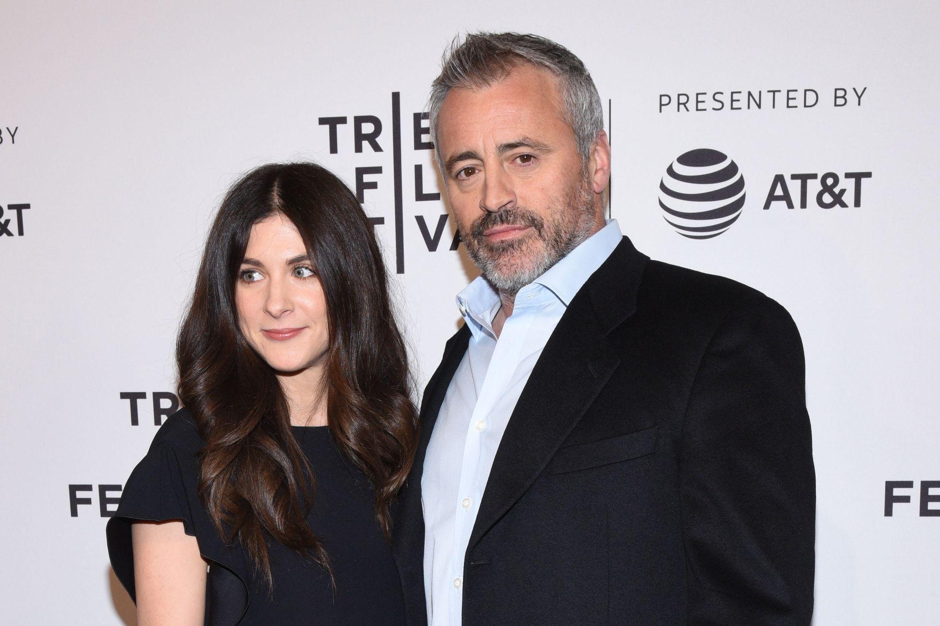 Matt Leblanc con la productora Aurora Mulligan, en un evento realizado en Nueva York en 2017