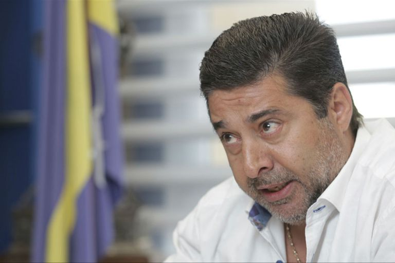 Para Angelici, la negociación por Gómez es una puja entre dos modelos deportivos