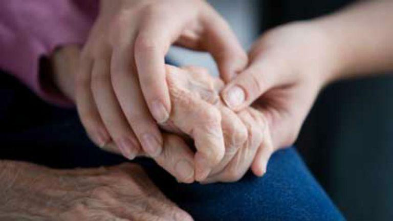 El mal de Parkinson puede manifestarse mucho tiempo antes que los típicos temblores