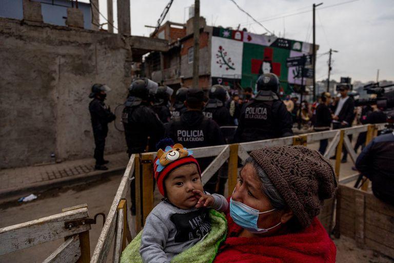 Más de 80 familias fueron desalojadas de un predio en el barrio 31 de Retiro