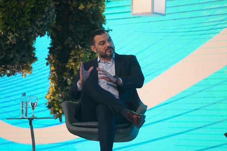 Emmanuel Álvarez Agis, economista y titular de la consultora PxQ