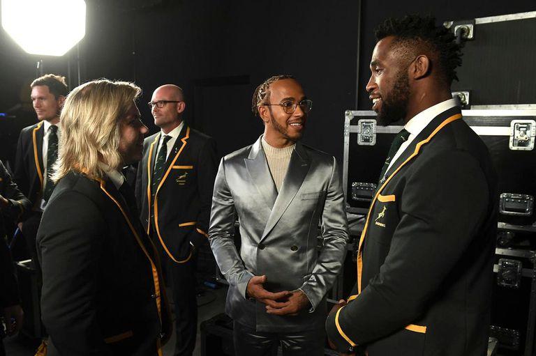 Lewis Hamilton, triunfador como deportista masculino de la temporada 2019, y los springboks Faf De Kler y Siya Kolisi, estrellas del mejor equipo deportivo del año.