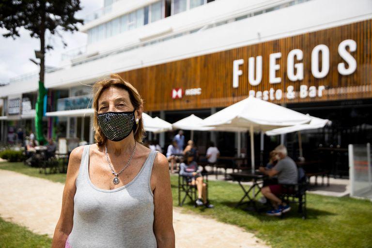 Josefina Gradin es la propietaria del bar Fuegos