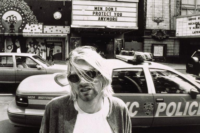 La hija de Cobain lanza una colección de ropa con notas del líder de Nirvana