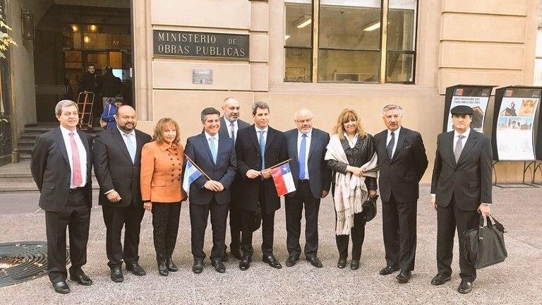 Las autoridades de Chile y la Argentina encabezaron el acto de recepción de antecedentes de precalificación para la construcción del túnel Internacional paso de Agua Negra