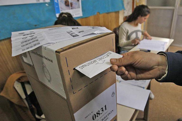 Los tucumanos elegirán presidente, vice y diputados en octubre