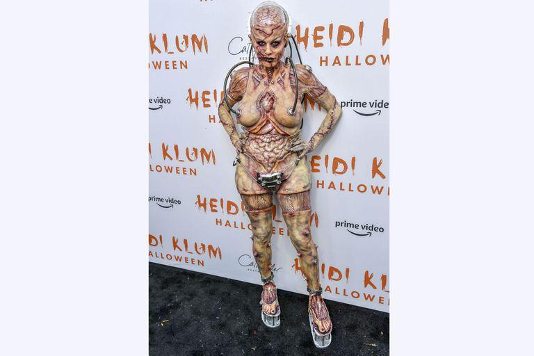Así quedó Heidi con su traje de alienígena robot