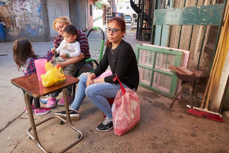 El drama de las familias desalojadas en el Barrio Mugica
